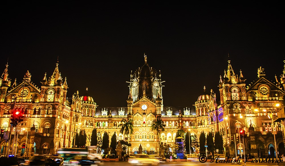 Mumbai CST at night. Photo Credit - Aashish Vasudevan Nikon D5100, f/3.5, 1/5s, ISO 400, 18mm(equiv 27mm)