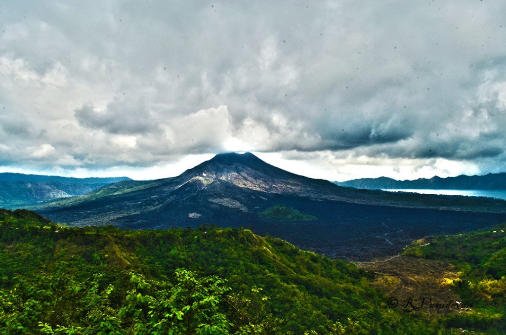 NIKON D5100, f/22, 1/80, ISO 100, 18mm (equiv 27mm)  A View of Mount Batur
