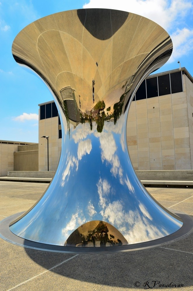 Sculpture by Anish Kapoor